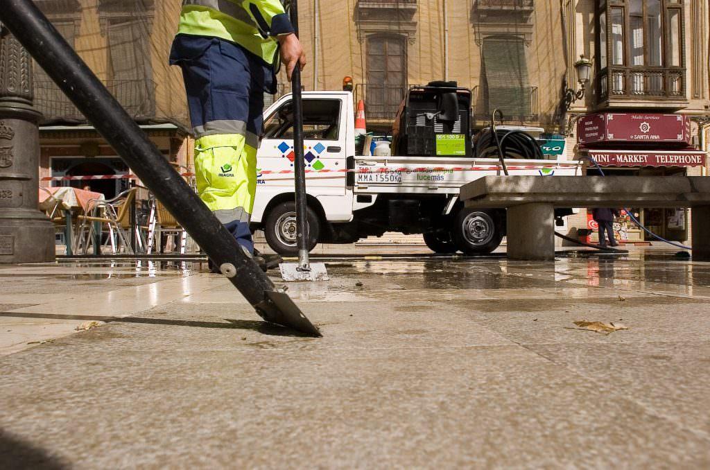 inagra-servicios-limpieza-granada2 - Servicios de limpieza de calles en Granada