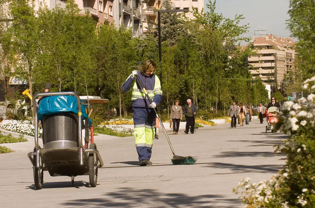 trabajadores-inagra-servicios-limpieza-granada4 -